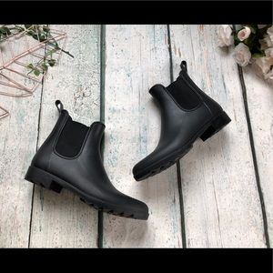 Shoes - Chelsea style 11 rubber rainboots black stretch